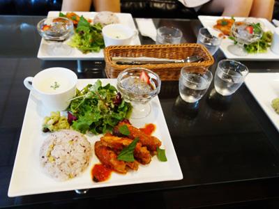 Dining Restrunt MOVE UP cafe